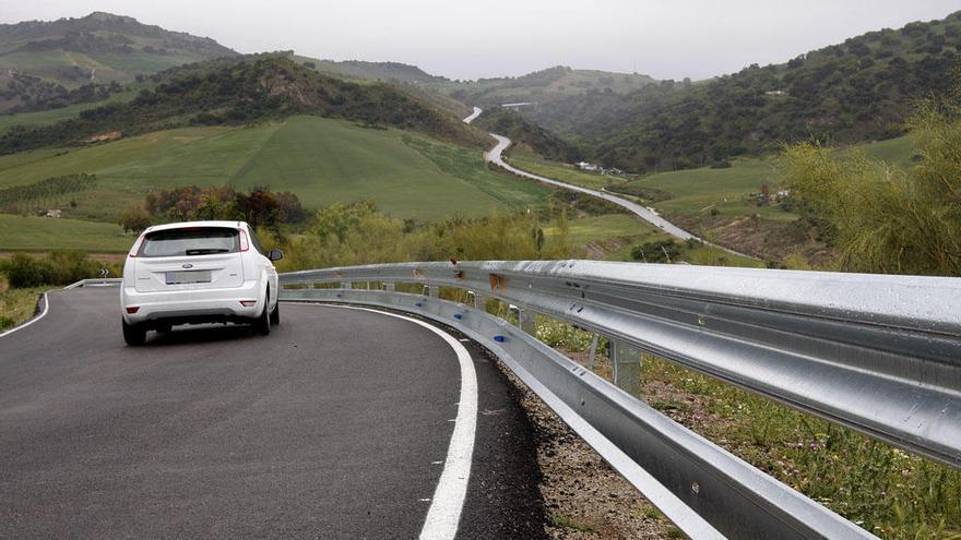 Cortan al tráfico dos meses la carretera A-7204 de Venta Baja a A-45 por Colmenar