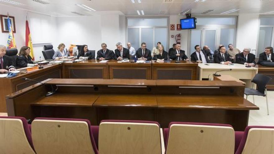 El jurado exculpó a los acusados de matar al alcalde de Polop al no creer al testigo