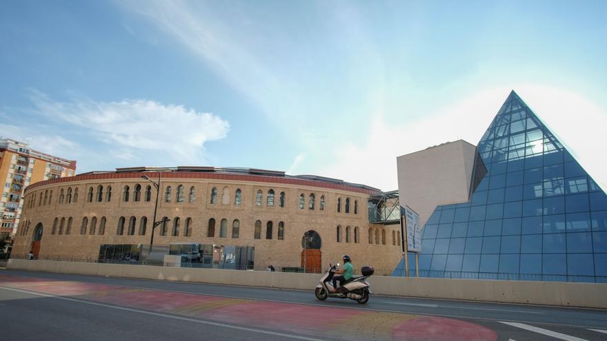 Villena liquida la deuda judicial con la empresa del aparcamiento de la plaza de toros