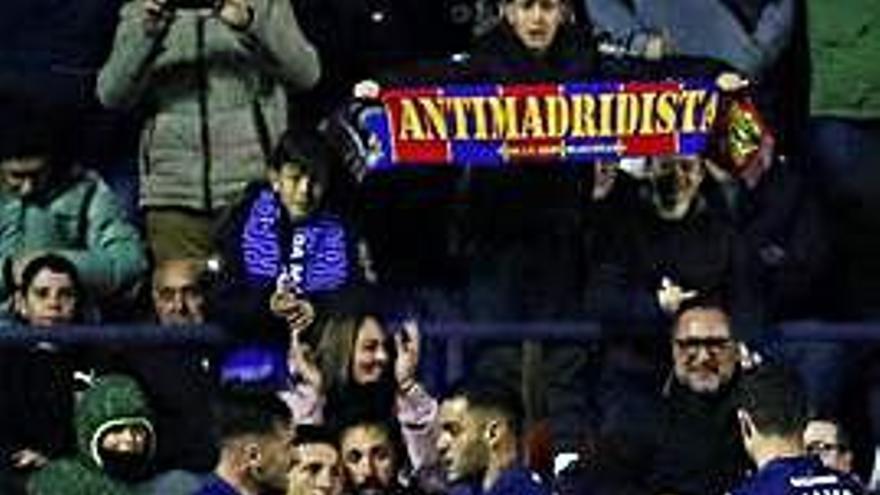 El Reial Madrid ensopega amb el Llevant i deixa  el lideratge a València