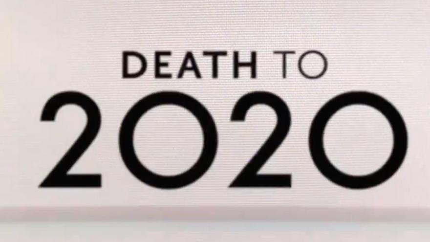 ¿Es en realidad 'Death to 2020' un especial de 'Black Mirror'?