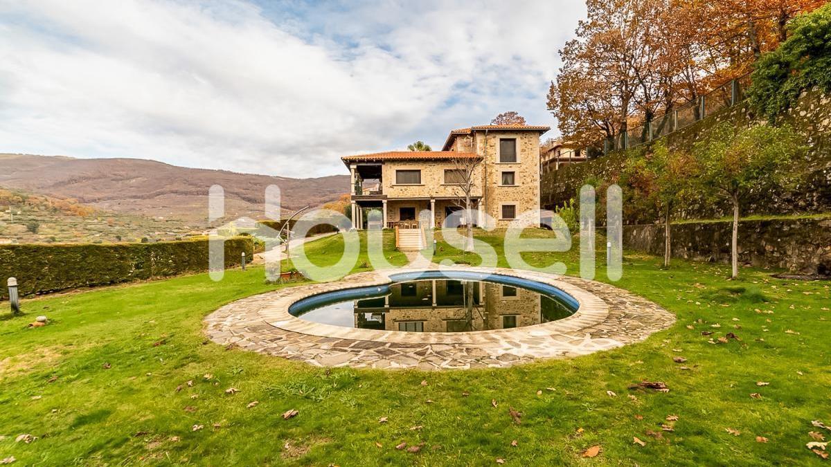 Casas con jardín y piscina a la venta en la provincia de Cáceres