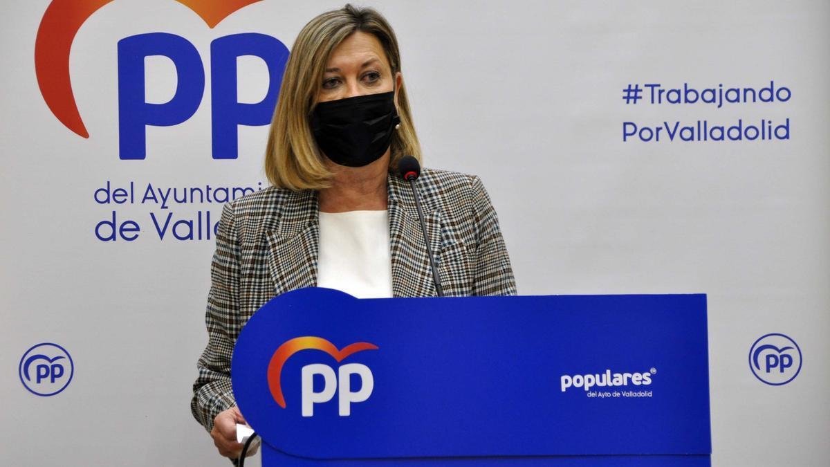 Pilar del Olmo durante una rueda de prensa.