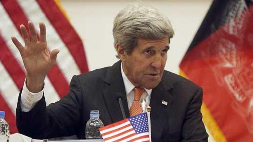 Los talibanes intentaron matar a John Kerry