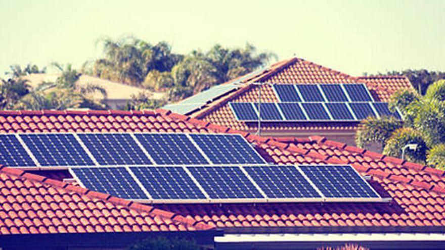 El Gobierno elimina el 'impuesto al sol'