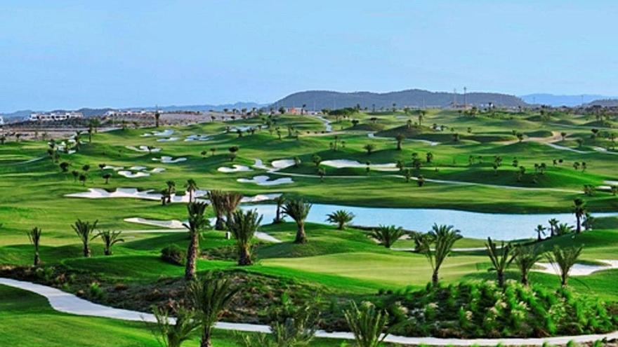 El campo de golf de Entre Naranjos pide a Orihuela la evaluación de impacto ambiental tras 11 años abierto