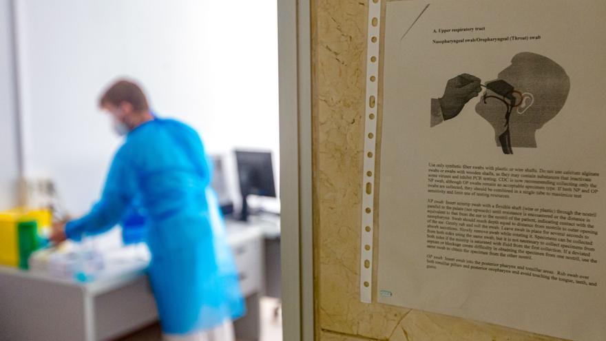 La Marina invierte la estadística: tiene la menor tasa de contagios de coronavirus de la Comunidad Valenciana