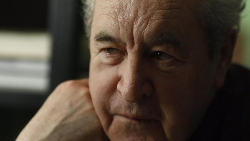 """John Banville: """"Es peligroso que las películas traten de ser más brutales que la realidad"""""""