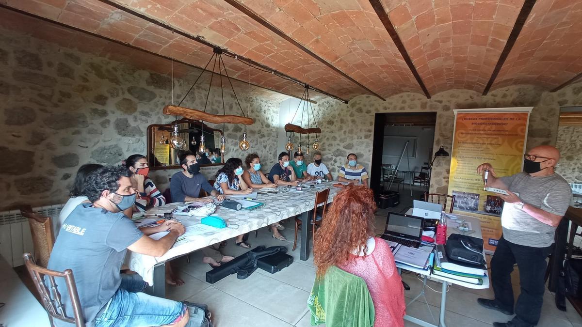 Seminari que s'impateix a la casa rural de la Creu de la Pinya