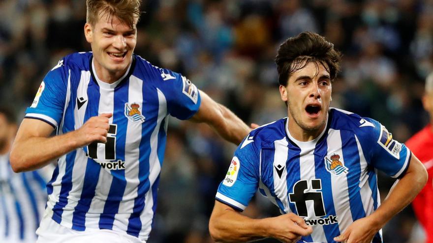 Lobete da el triunfo y liderato a la Real ante el Mallorca