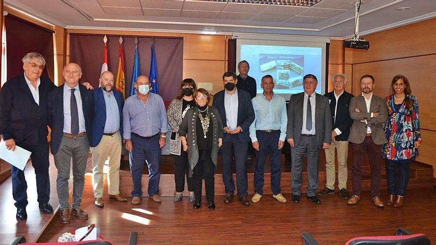 El sector pesquero reclama en Candás más avances tecnológicos
