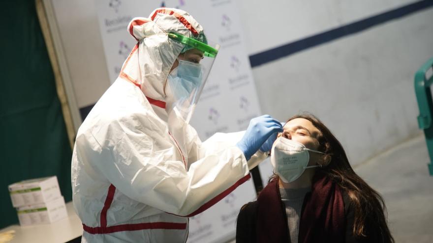 """El cribado de coronavirus trabajadores zamoranos del """"Plan Sumamos"""" comienza con 400 pruebas en Los Llanos"""