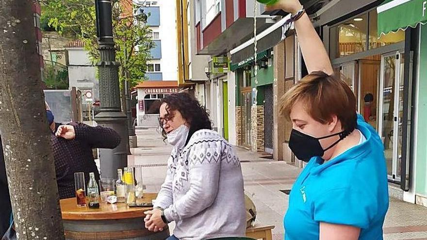 La hostelería riosellana prepara la reforma de sus locales ante la nueva ordenanza de terrazas