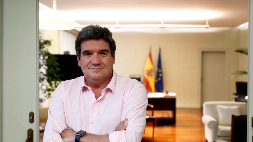 Escrivá y Ábalos viajan a Canarias para abordar la crisis