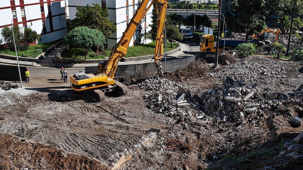Demoliciones a toda máquina de los bloques