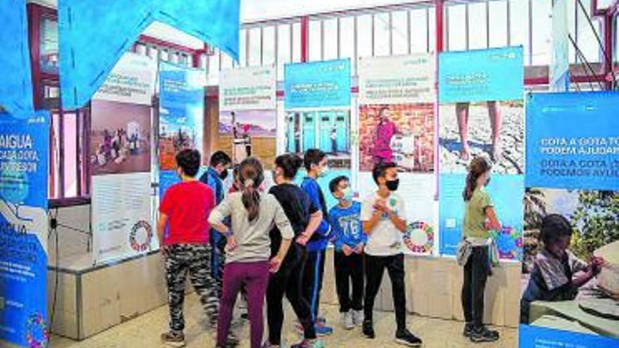 El CEIP L'Almassil  de Mislata acoge una exposición sobre agua