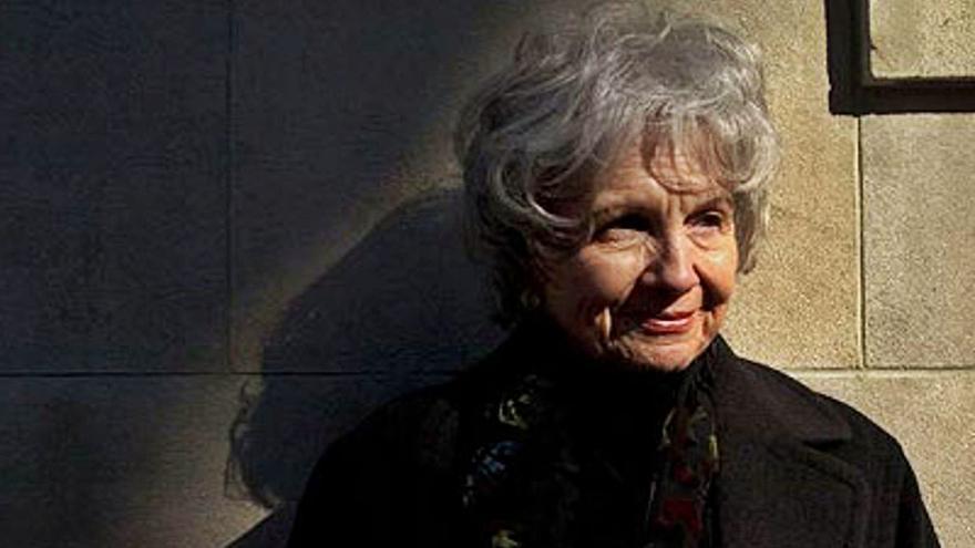 Los primeros cuentos que llevaron al Nobel a Alice Munro