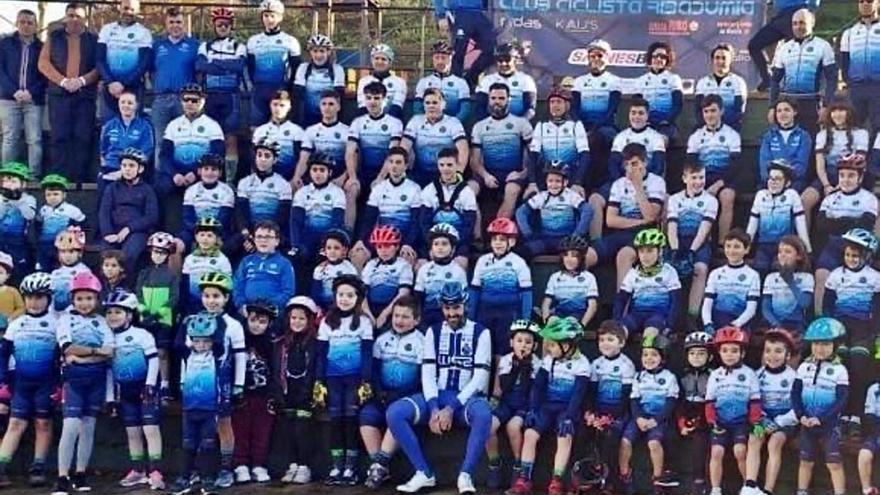 El crecimiento del Club Ciclista Ribadumia va sobre ruedas