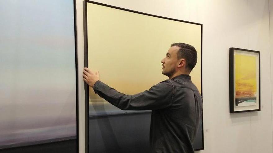 El pintor Diego Benéitez acude a la feria de arte contemporáneo de Hamburgo