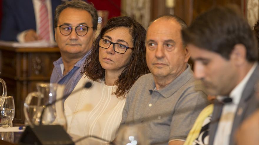 PSOE y UP tildan de ocurrencia y cortina de humo el anuncio del Hermitage de Barcala