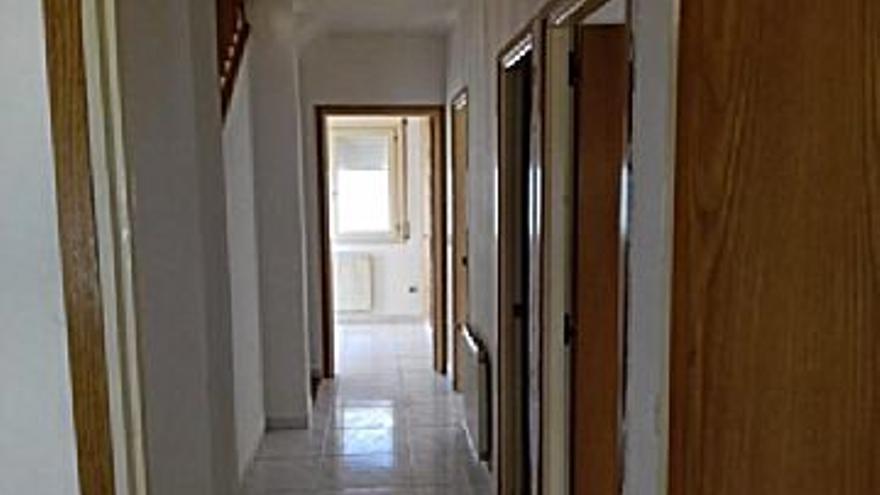 141.300 € Venta de casa en Llançà, 4 habitaciones, 2 baños...