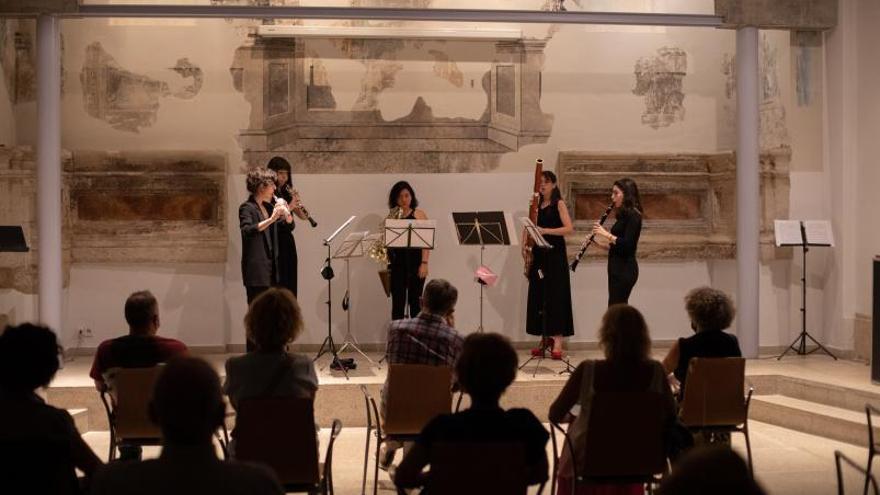 El concierto de Globo Emsemble embelesa al público en la Biblioteca de Zamora