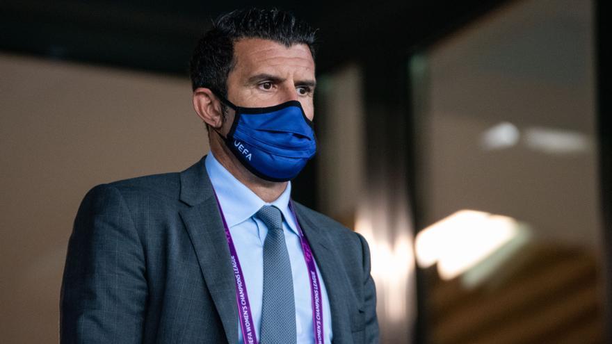 "Figo, sobre los audios : ""Florentino se excusó, caso cerrado"""