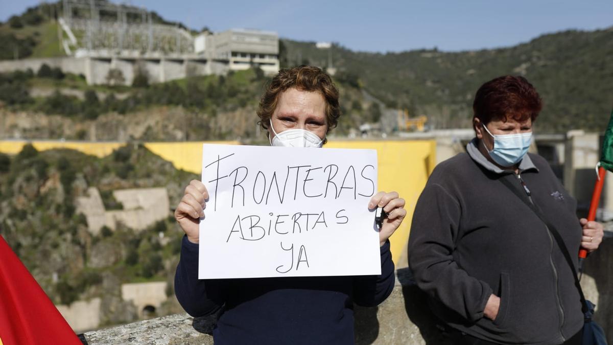 Movilización por el cierre del paso fronterizo de Bemposta