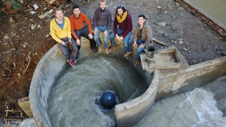 Inventan una minicentral hidroeléctrica para dar luz a pequeñas poblaciones