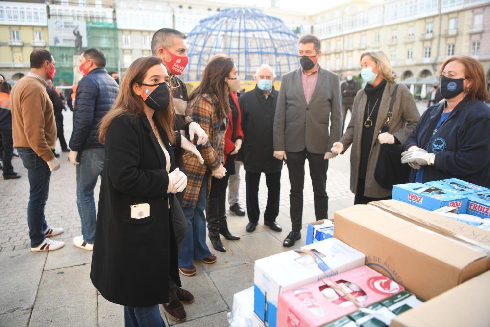 Cadena de hosteleros y vecinos desde María Pita a la Cocina Económica
