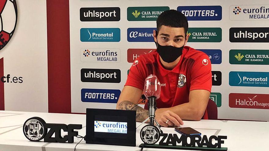 "Adrián Crespo: ""En casa tenemos que puntuar sí o sí"""