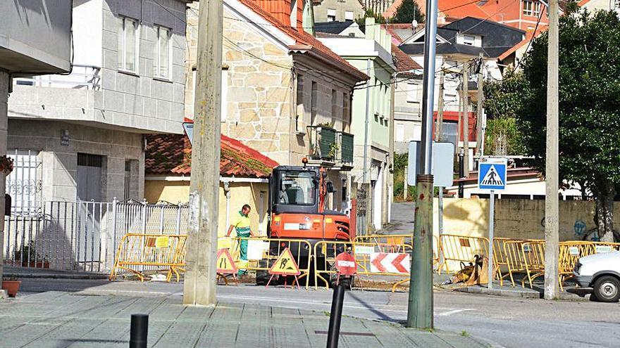 Aqualia instala contadores para el abastecimiento desde Vigo