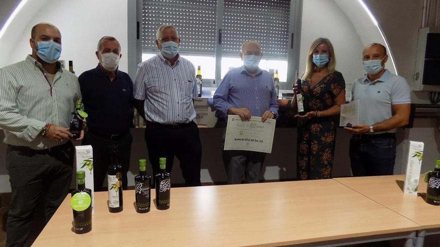 El Ayuntamiento entrega los premios a los mejores aceites de oliva virgen extra de Bujalance