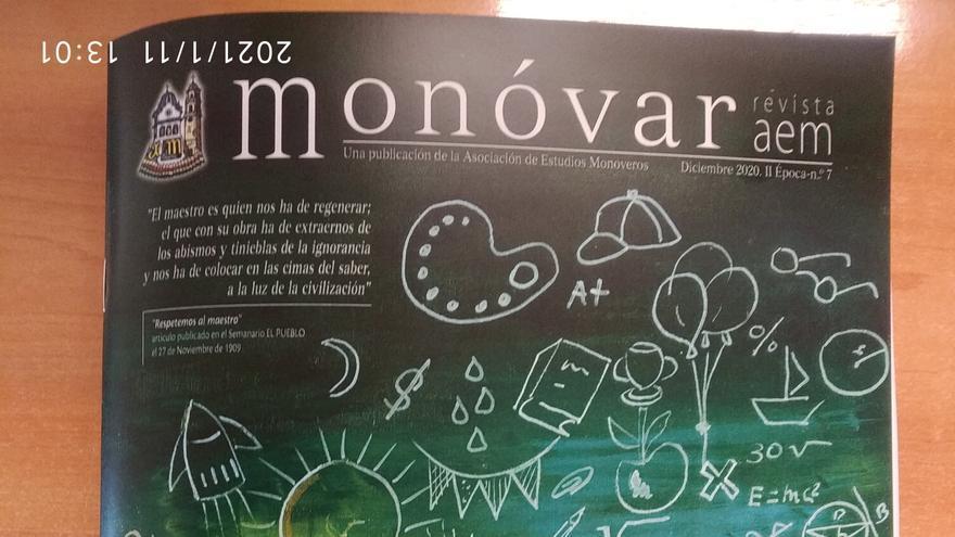 La revista Monóvar homenajea a los maestros