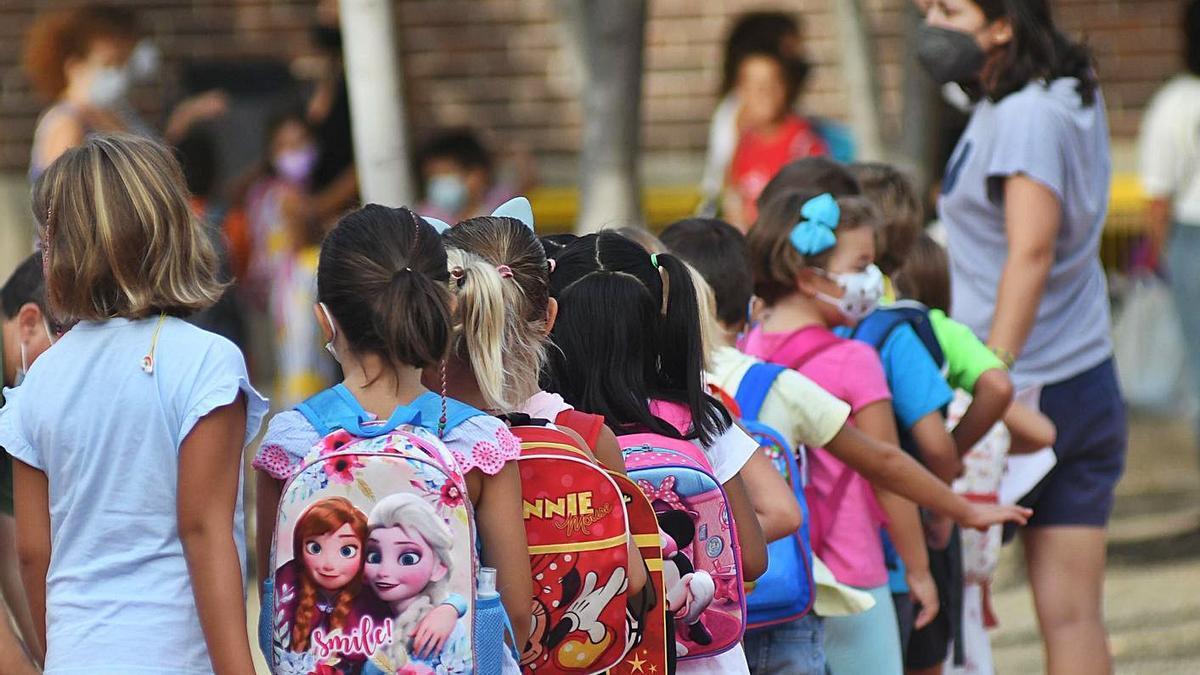 La vuelta al cole de los niños se produjo esta semana. | ISRAEL SÁNCHEZ