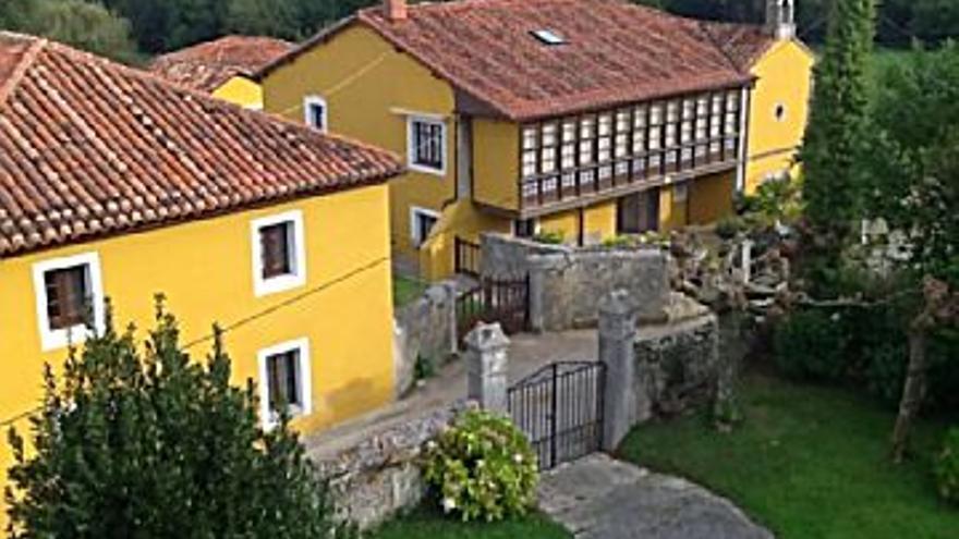 450.000 € Venta de casa en Belmonte de Pria (Llanes), 10 habitaciones, 2 baños...