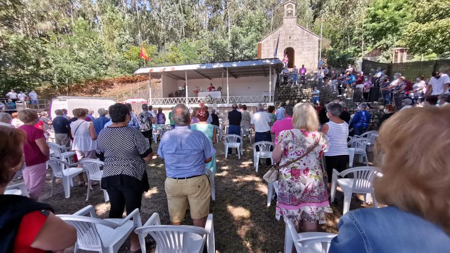San Lourenzo, en Domaio, está en fiestas