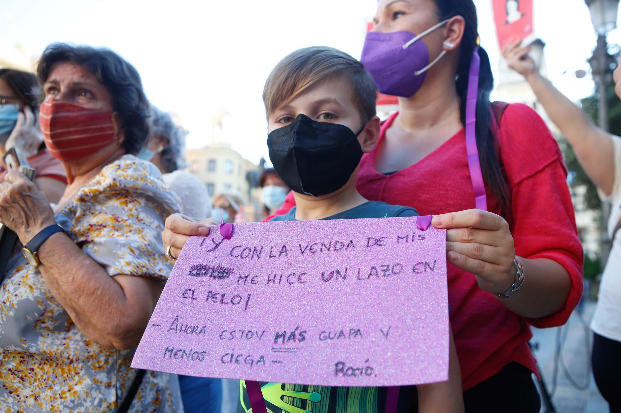 Concentración en Las Tendillas en apoyo a Juana Rivas