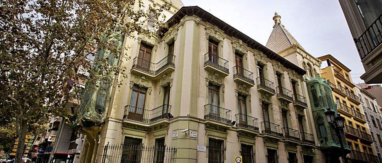 La Casa de las Brujas, sede del Consell en Alicante. | RAFA ARJONES