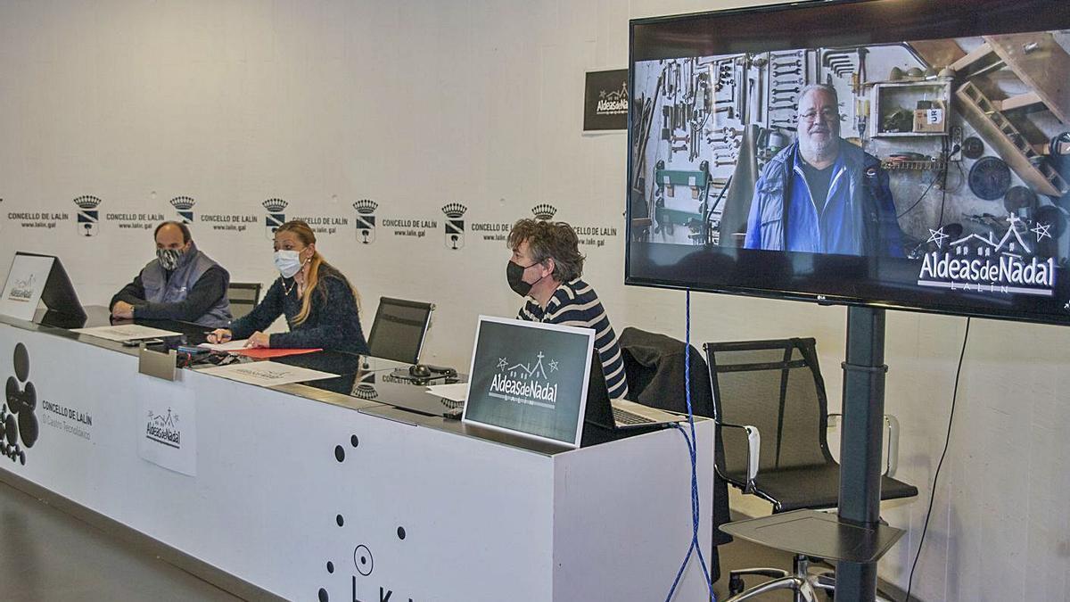 González, Fernández e Iglesias, durante la presentación del proyecto navideño.     // BERNABÉ/ANA AGRA