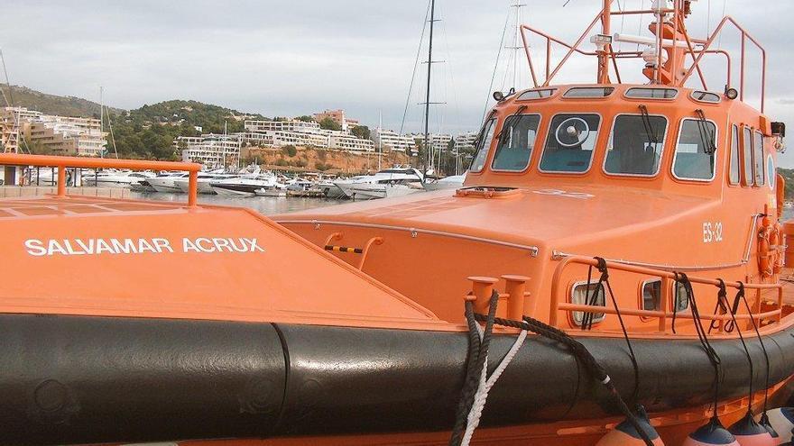 Zwei Personen mit ihrem Hund vor Mallorca aus Seenot gerettet