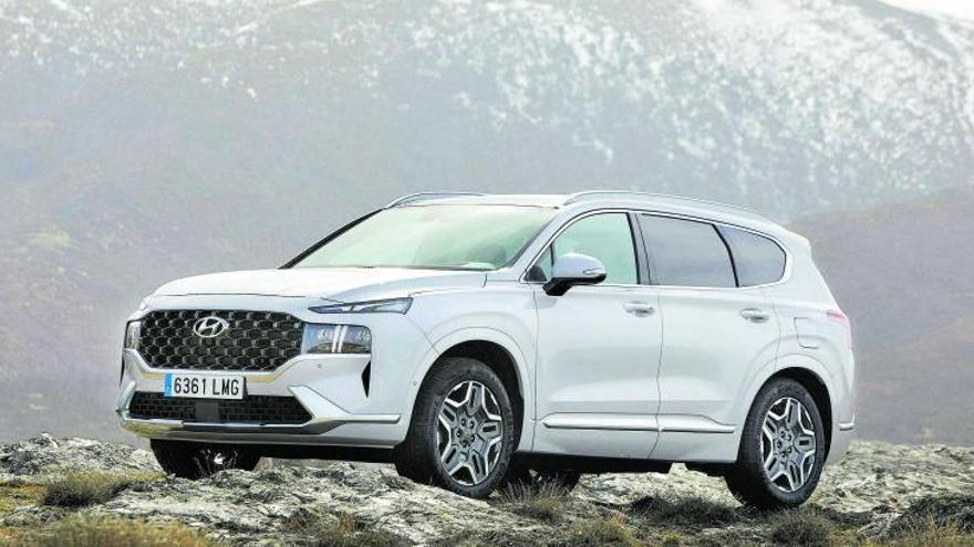 Hyundai Santa Fe: Más lujoso, refinado y ahora también híbrido e híbrido enchufable