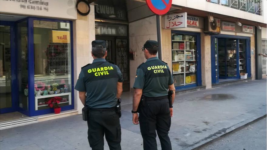 Dos personas detenidas en La Vila Joiosa por fingir ser víctimas de robos con violencia