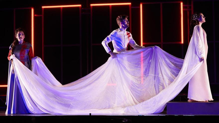 Peralada aplaudeix l'estrena de l'òpera contemporània Diàlegs de Tirant i Carmesina