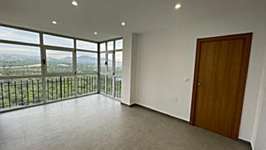 102.260 € Venta de piso en Benidorm 42 m2, 2 habitaciones, 1 baño, 2.435 €/m2, 14 Planta...