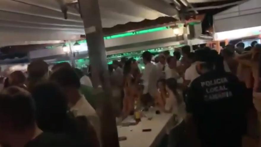 Desalojan un restaurante del sur de Gran Canaria por vulnerar las medidas antiCovid