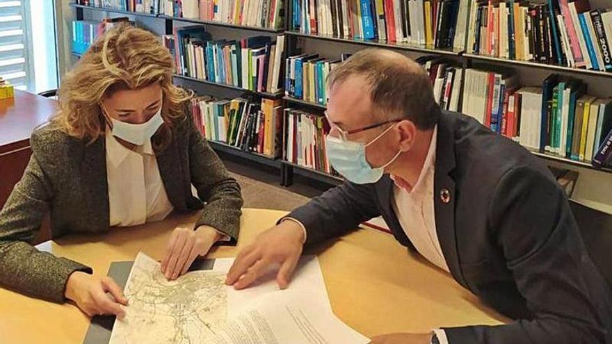 Pere Casellas reclama a la ministra de Transports la supressió de passos a nivell