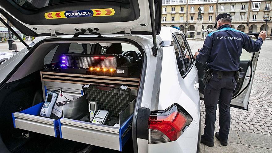 Nuevos coches y bicicletas para la Policía Local