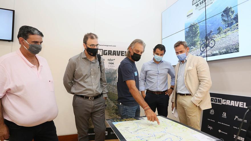 La prueba cicloturística 'Iron Gravel' llega este sábado al interior de la provincia