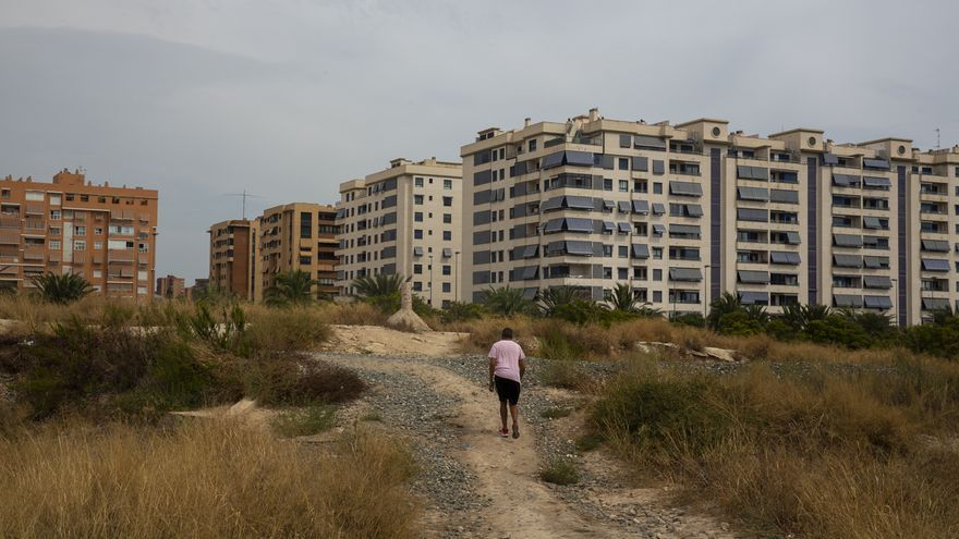 Vecinos urgen pasos peatonales para que los terrenos liberados de vías dejen de ser un «muro»